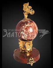 Сувенир Грифон на шаре